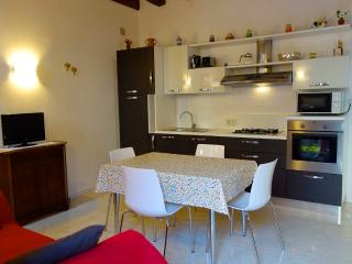 Elise Court Private & New 2 Bedrooms, Venetië
