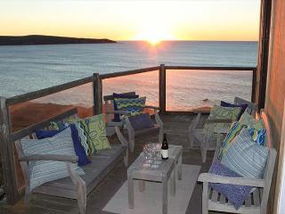 'Breaking Waves' A Pacific-Bluff Retreat.feel the ocean spray! 3 NIGHTS FOR2, Dillon Beach