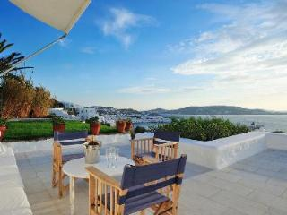 Luminous Villa The Olive Grove Overlooking the Sea with Pool & Terrace, Agios Ioannis