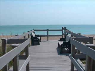 Ocean View-SEPTEMBER $475/WEEK SPECIAL Beach/Pools/Golf, Fort Pierce