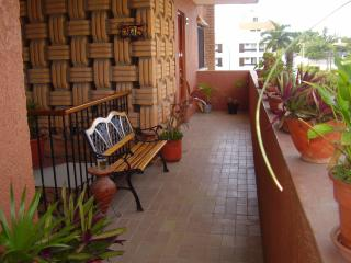 GOLDEN ZONE !  GORGEOUS 2 BEDRM ACROSS FROM BEACH, Mazatlán