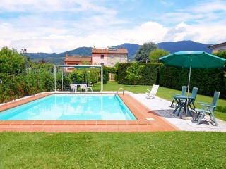 Villa Cortinella. Private pool and garden!, Capannori