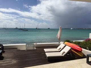Beachfront Condo, Simpson Bay