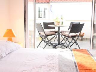 Apartment  A4+1 in Bol  peaceful surroundings