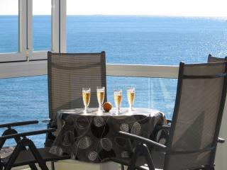Luxury seafront  apartment - Altea. No car neeeded