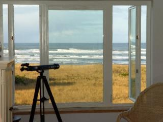 #433 - Inspiring View Top Floor Beach Home, Westport