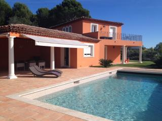 Wonderful, classic Provencal villa in Boit on the French Riviera, Biot