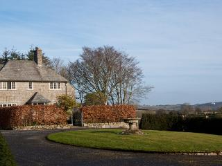 Elegant granite cottage in the heart of Dartmoor, Chagford