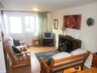 Nearby beach, 2 bedroom self-catering holiday home, Freshwater East