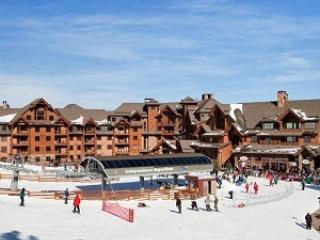 Ski in/out   Grand Lodge on Peak 7    1 Bedroom, Breckenridge