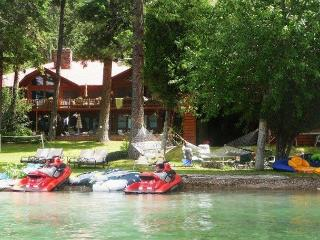 Flathead Lake Dream Home for Large Family Vacation. Excellent Location!, Polson