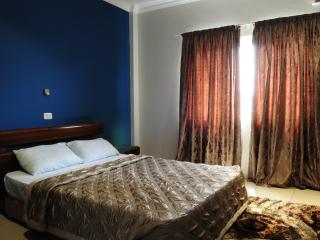 T.N.Executive Airport Hotel t-(3 BR), Acra