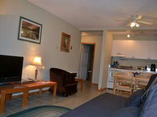 Private on Mtn | 1 bdrm Condo | Sleep 4 | Ski-Out, Kimberley