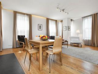 1BR★70m2★Deluxe Apt w Lift★Cleaning!, Istanbul