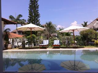 Lighthouse 4BR Private Villa with a Pool, Hikkaduwa
