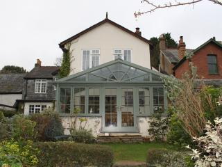 Luxury house in Combeinteignhead with garden