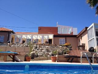 Very quiet holiday home in Tenerife with pool., Abades