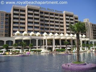 Royal Beach Apartment 5* complex with free Wi-Fi, Sunny Beach
