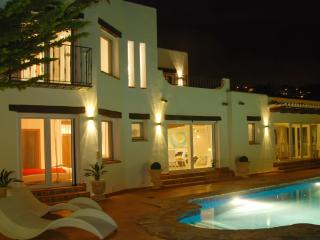 Designer villa with pool, sea view, Benissa