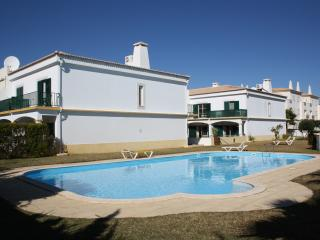 2+1 Bed House in Vilamoura near golf and beaches