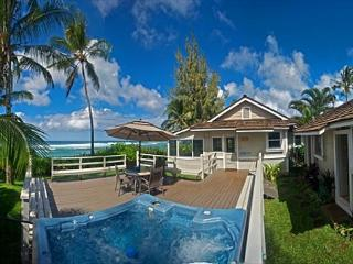 June Special $395! 4 bedroom,oceanfront with hot tub and sunset views, Haleiwa