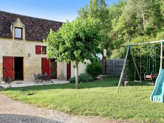 Idyllic holiday house in Dordogne with 2 bedrooms, Plazac