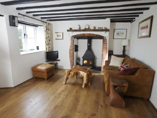 2 Appletree Cottage located in Sixpenny Handley, Dorset