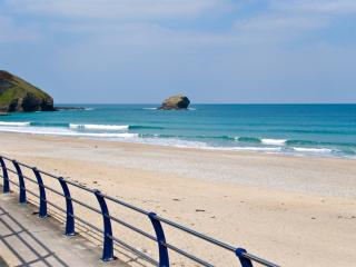 Waters Edge located in Portreath, Cornwall