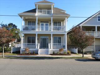 Spacious 5 BR With Ocean Views on 5th Street, Ocean City