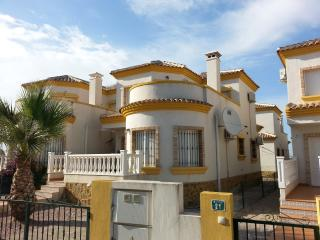 3 bed 2 bath, Detatched Villa Juan  with Free WiFI, Los Montesinos