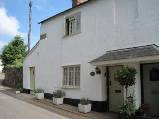 Ruffles Cottage, Dunster - Sleeps 4 - Exmoor National Park - Medieval village of Dunster