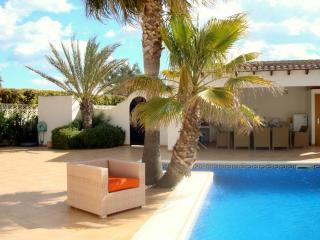 Casa Tasama a stunning villa on a lovely flat plot, Moraira