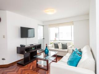 4BD MIRAFLORES BEST DEAL,NEXT HILTON !, Lima