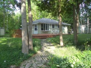 The Green Cottage (#934), Sauble Beach