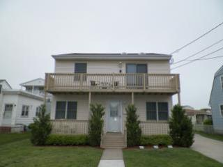Half a block to guarded beaches, front rear decks, Brigantine