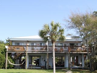 Sunset Cove on the water, Cedar Key