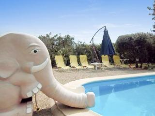In Benicarlo, family-friendly house with pool and