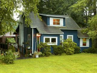 AWARD WINNING WATERFRONT COTTAGE, Saugerties