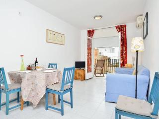 Laura: cozy apartment 2 steps 2 beach, Sitges