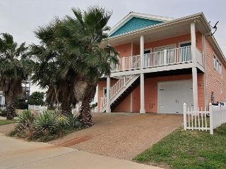 No Pier Pressure, 4 bed/4bath, Pool, Plenty of Parking, Port Aransas