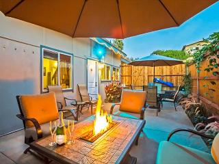 Beach House w/ Great Amenities, Outdoor Living, Walking Distance to Beach, La Jolla