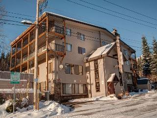 Govy Condo , Heated pool, Rec Room, Government Camp