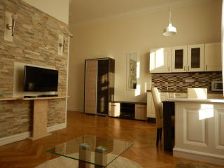 'Elegance' Apartment in district 7, Budapest