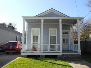Live Like a Local in Historic Architecture!, New Orleans