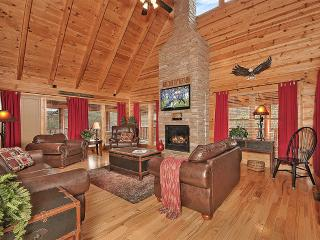 Eagles Nest Luxury Pigeon Forge Log Cabin Rental