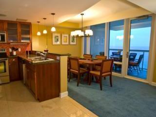 Ocean Front Penthouse Unit ; 2 story; November Wk, Virginia Beach