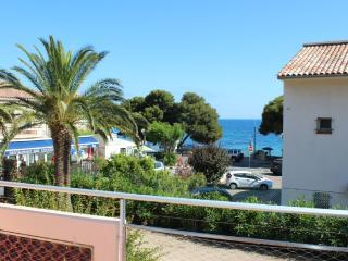 APARTMENT 50 M. FROM THE BEACH, CENTER OF SHOPS, Roquebrune-sur-Argens