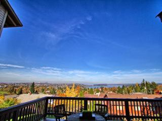 Craftsman with Breathtaking view of Seattle