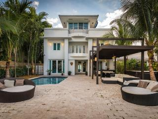 Depp - Waterfront Luxury Villa Newly Remodeled, Miami Beach