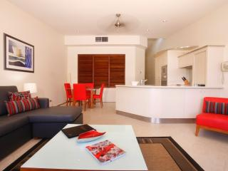 Holiday in the Centre of Paradise, Port Douglas